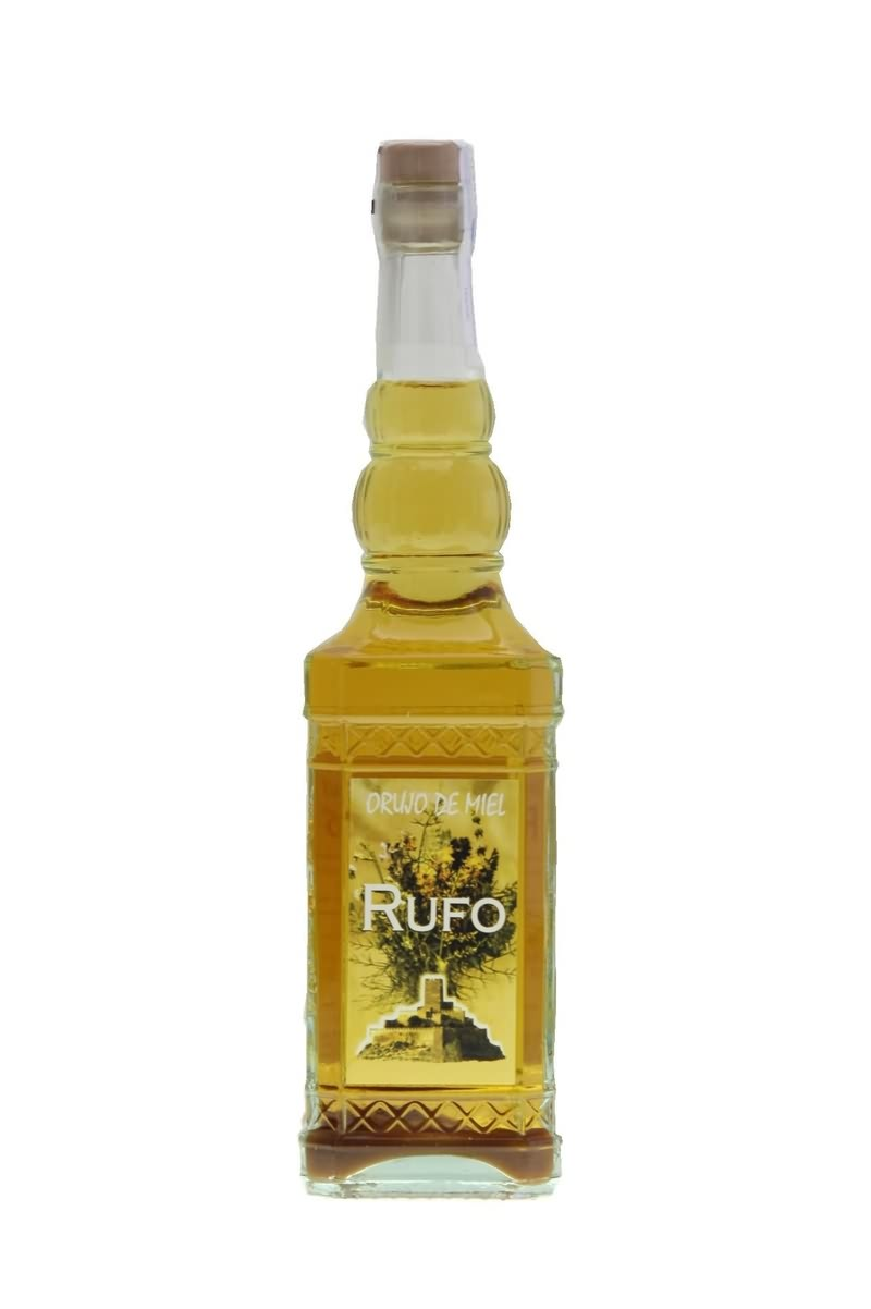 Honey orujo liqueur